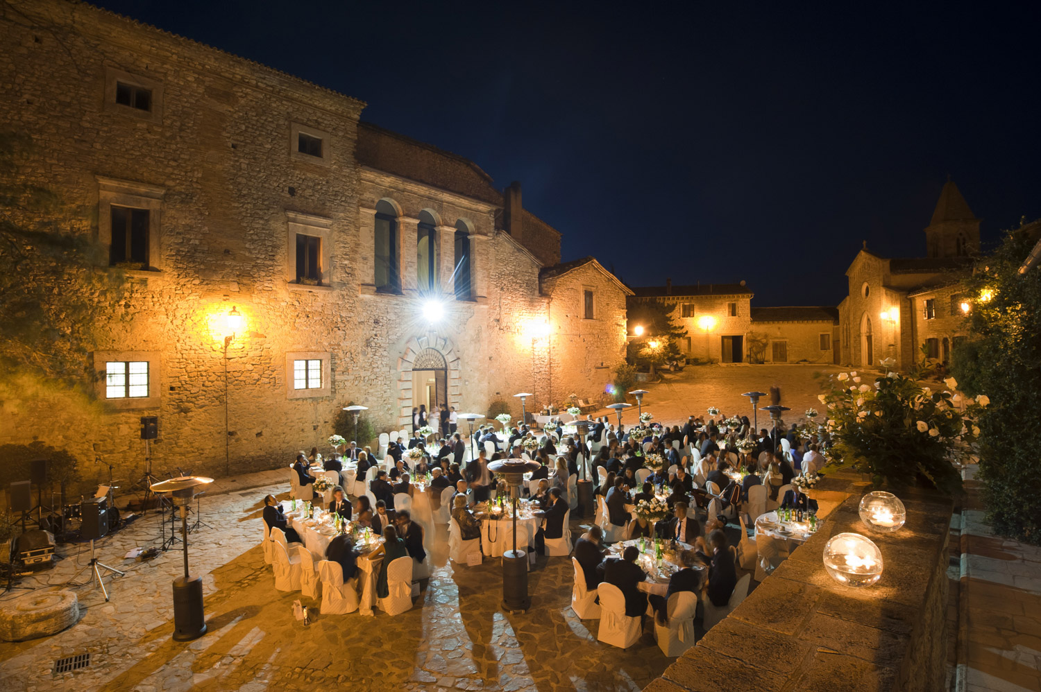 wedding in a hamlet umbria titignano