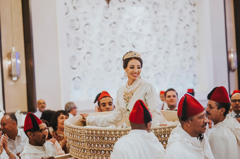 moroccan-bride-sit-on-mida