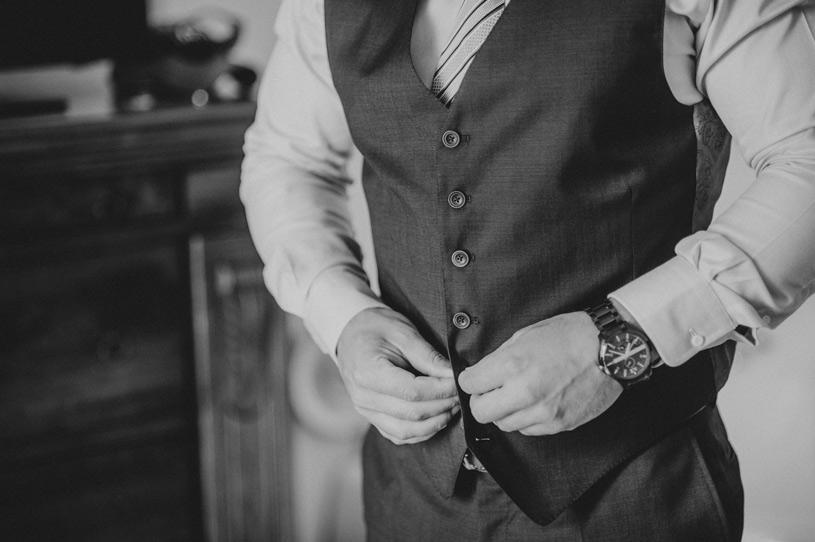 groom-blu-navy-attire