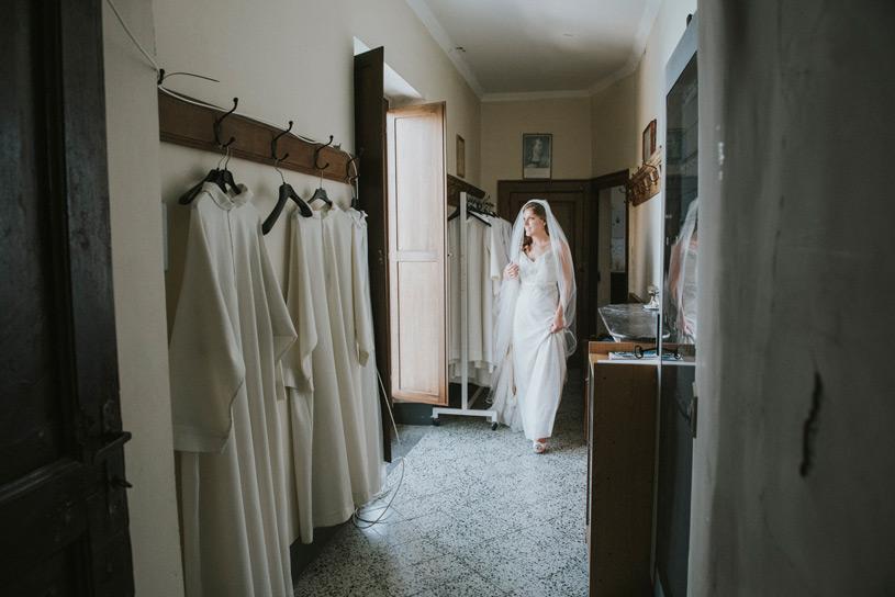 catholic-wedding-ceremony-atrani