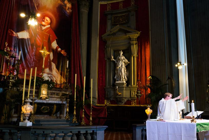 catholic-ceremony-florence