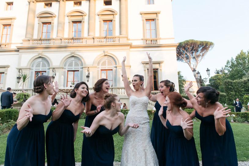 fun-photos-bridesmaids