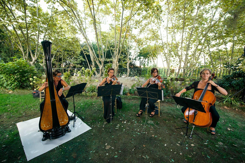 Violinist in Villa Aurelia