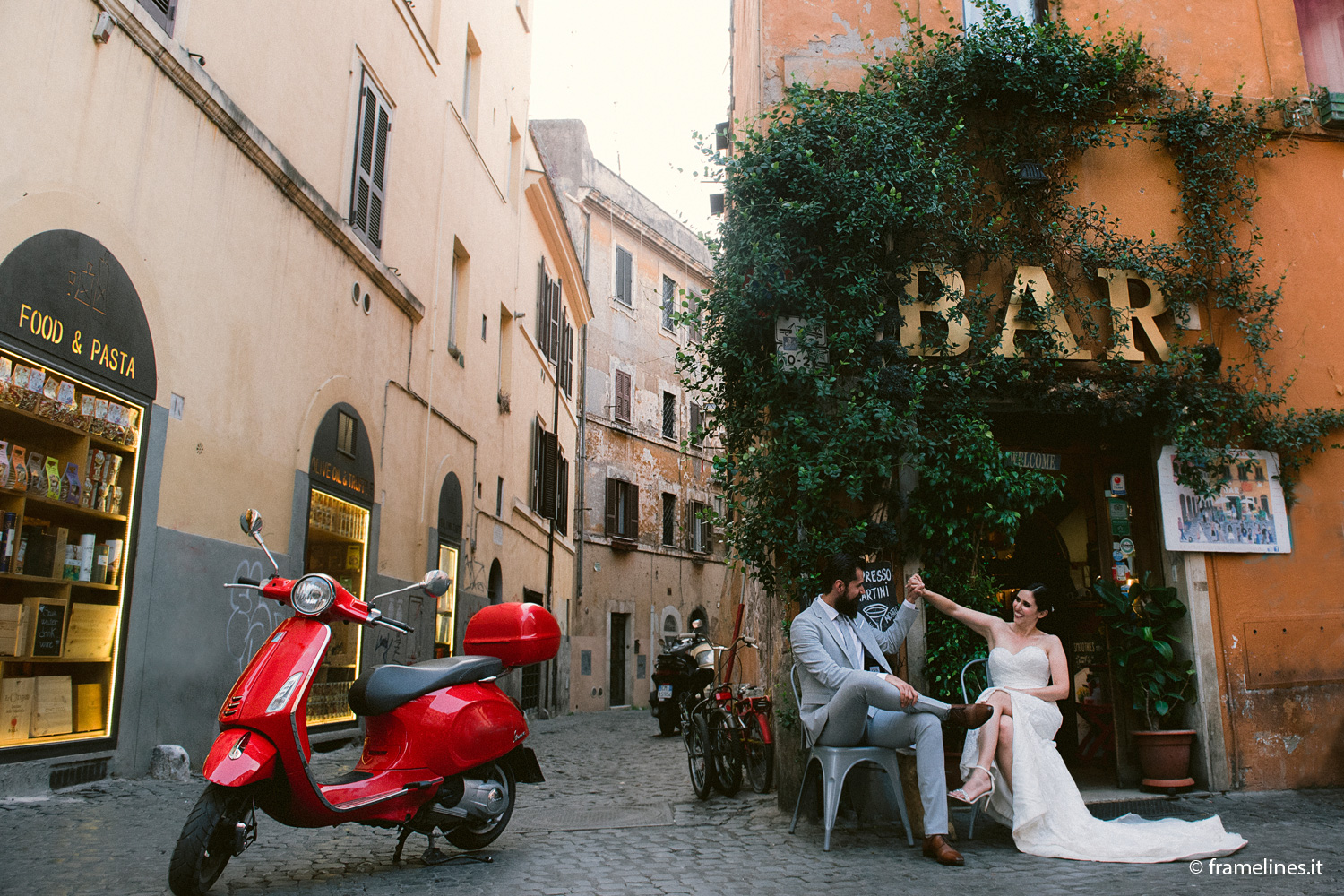 Photosession-Trastevere-Vespa