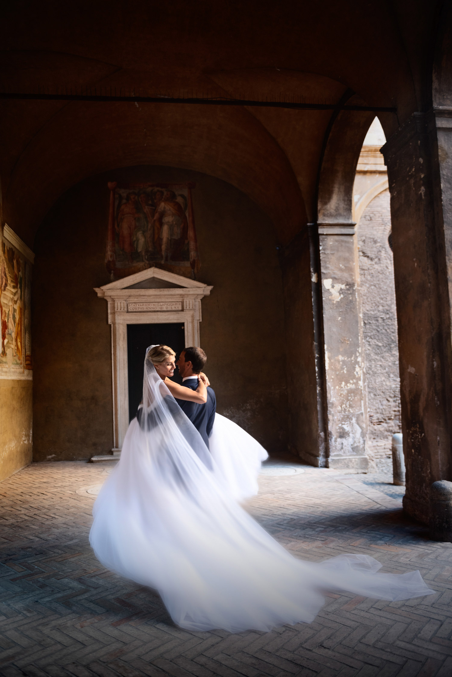 wedding photos at basilica cloister