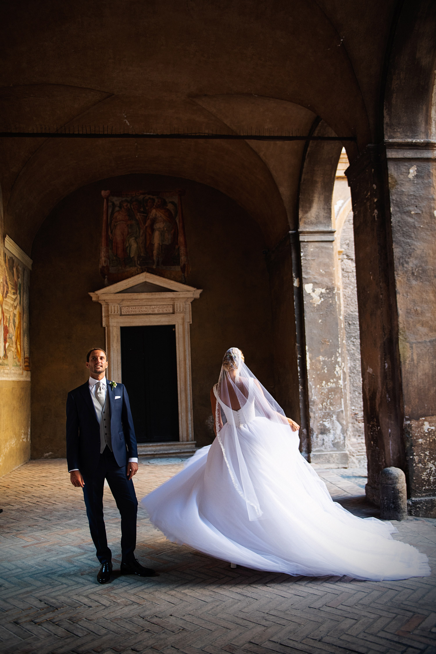 couple wedding photos in rome