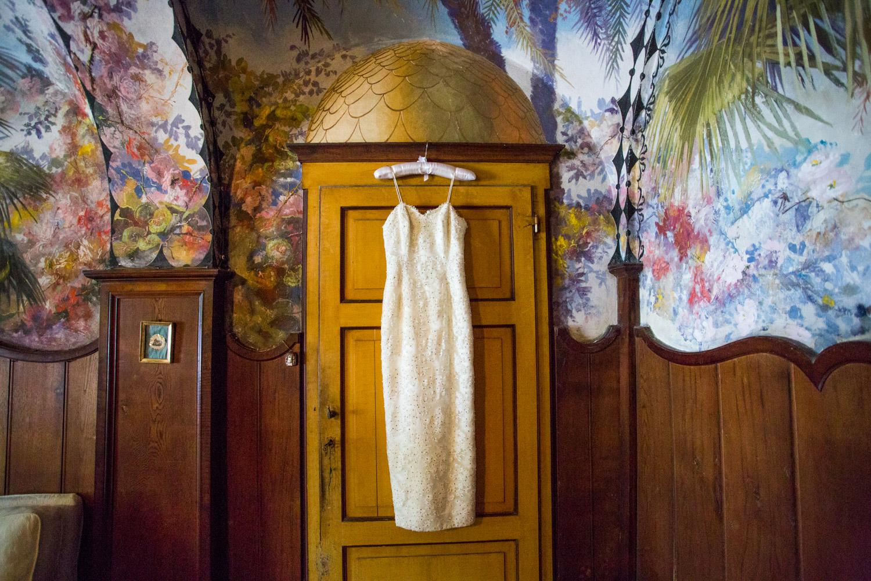 bride retro-glam style