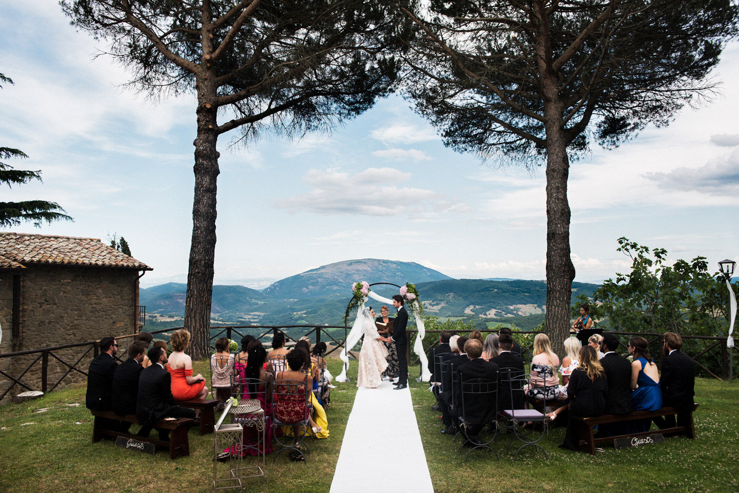 outdoor-civil-ceremony-umbria