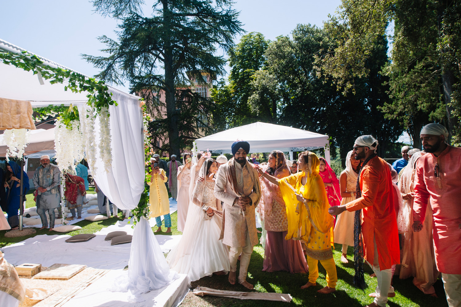 interfaith-sikh-hindu-wedding